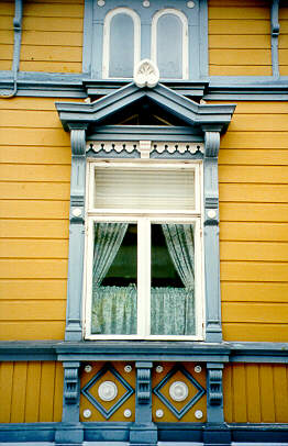 Window in Old Rauma 4.